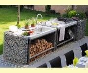 Outdoor Küche Aus Steinkörben Mit Eingepassten Arbeitsplatten
