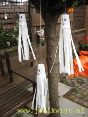 Cup ghost windsock! Super easy! Cup + crepe paper+pens+string. Easy and the kids will go nuts twirling them about.
