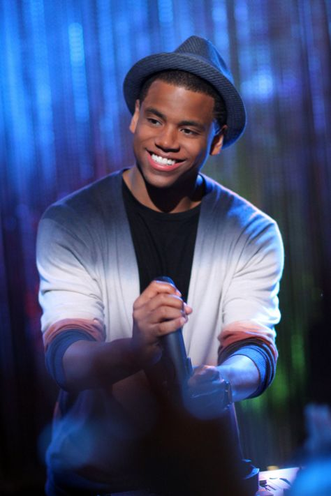 """90210 -- """"Hate 2 Love"""" -- Image: NO505b_0316 -- Pictured: Tristan Wilds as Dixon -- Photo: Scott Humbert/The CW -- ©2012 The CW Network. All Rights Reserved"""