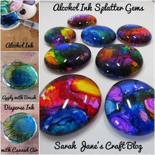 Alcohol Ink Splatter Gems Alcohol Ink decorated glass gems using a splatter technique. Alcohol Ink Jewelry, Alcohol Ink Glass, Alcohol Ink Crafts, Alcohol Ink Painting, Alcohol Ink Tiles, Sharpie Crafts, Resin Crafts, Rock Crafts, Paper Crafts