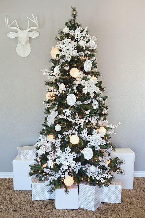 eighteen25: White Christmas - Michaels Dream Tree Challenge @jcarter751  #MichaelsMakers