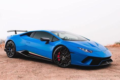 Blu Lamborghini Huracan Performante With Vfengineering