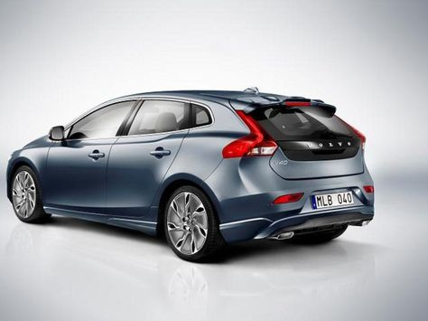 First Photos Of The Five Door Volvo V40 Hit The Web Automotorblog Volvo V40 Volvo Cars Volvo