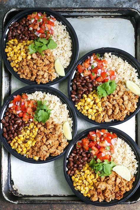 Chicken Burrito Bowl Meal Prep Chicken Burrito Bowl Meal Prep & Think of this as healthier (and cheaper!) Chipotle bowls that you can have all week long. Save time and calories here! The post Chicken Burrito Bowl Meal Prep & Lunch Burrito Bowl Meal Prep, Meal Prep Bowls, Chicken Burrito Bowl, Chicken Burritos, Taco Meal, Chicken Rice Bowls, Burrito Burrito, Lunch Recipes, Healthy Dinner Recipes