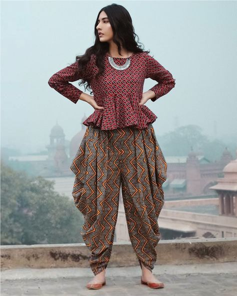 casual printed dhoti wear Dhoti pants are high on trend right now! Here are 6 different outfit ideas to style for dhoti pants with.