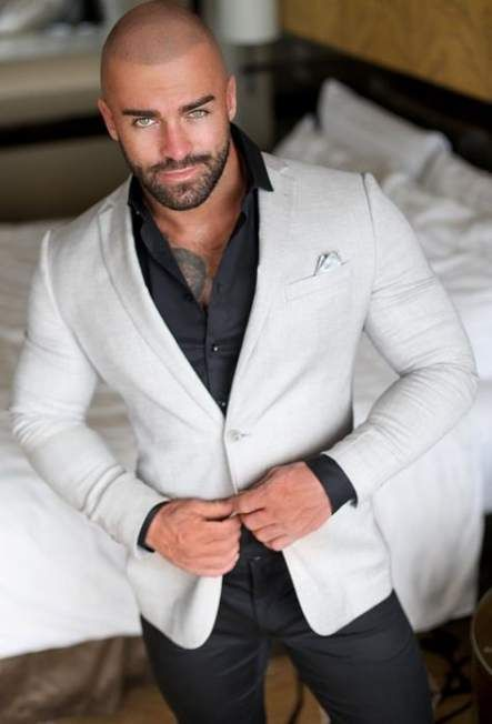 Moda Casual Hombre Outfits Guys 44 Ideas For 2019 Bald Men Style Beard Styles For Men Stylish Men