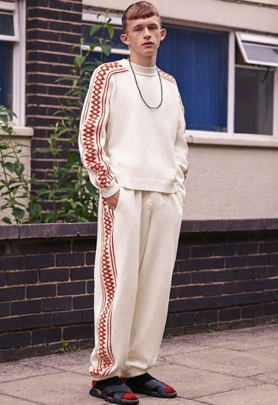 Stella McCartney has made a big, big debut. The London designer has unveiled her first ever menswear collection: see it right here.