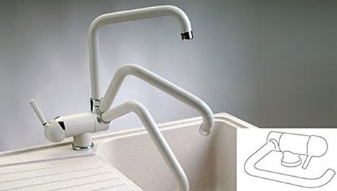 Miscelatore NOVOMIX Plados per lavello sottofinestra. Questo rubinetto è orientabile e permette l'apertura della finestra nel caso abbiate il lavello posizionato al di sotto della stessa. #Plados #ArredoItaliano