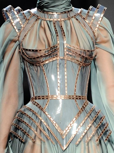 Image in clothes/fashion/couture collection by Persephone Haute Couture Style, Couture Mode, Couture Fashion, Runway Fashion, Spring Couture, Dior Couture, Womens Fashion, Fashion Week, High Fashion