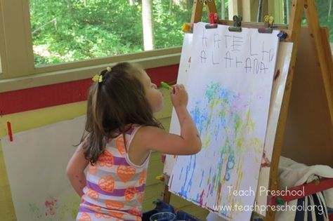 Bubble painting at the easel -  Pinned by @PediaStaff – Please Visit ht.ly/63sNtfor all our pediatric therapy pins