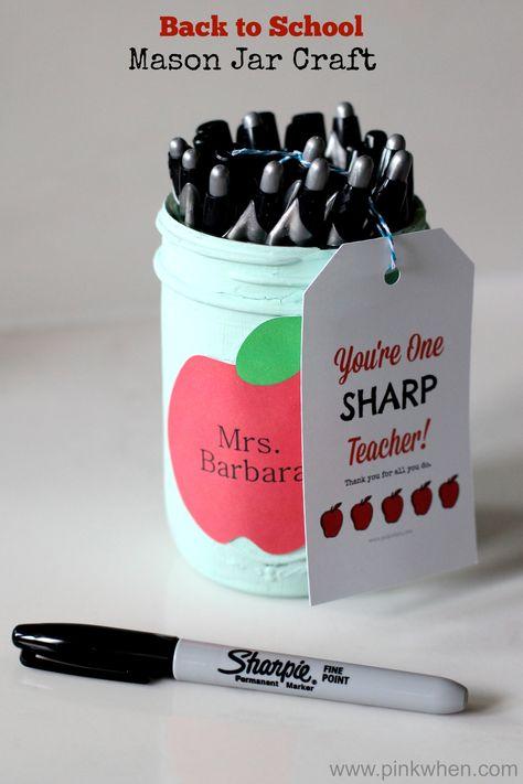 Back to School Mason Jar Craft Teacher Gift Idea #inspirestudents #teacherschangelives #teacher #gift
