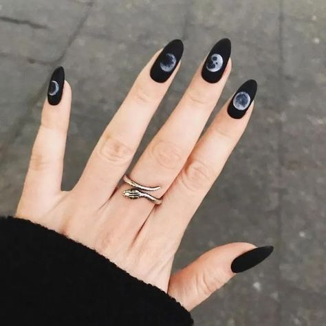 Constellation manicure is the nail art you really want 36 constellation manicure 3