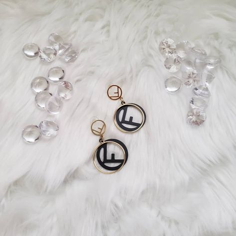 """Accessories? We got you!! Click link in bio to start shopping!! Enter code """"50"""" for 50% off!! 💎 🤑 #prettylittlethings #fashioninspo  #jewelryaddict  #trinkets #milehigh  #eyecandy  #statementjewelry  #bling #chicstyle  #fendi #bbwla  #vintage #ladylike #details  #celebritystyle  #affordablefashion  #slay #miami #fashionista"""
