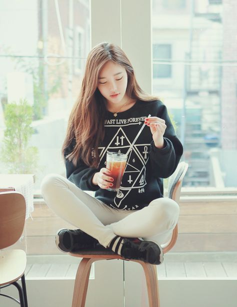 Ulzzang~ | via Tumblr shared by 〜 ㅇ ㅅ ㅇ 〜 on We Heart It