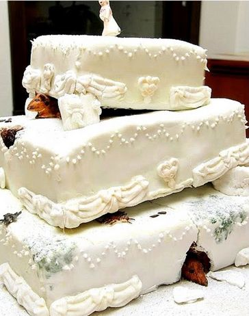 Miss havisham wedding cake description