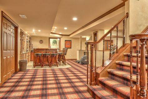 7653 North Rd Eau Claire Wi 54701 Mls 1526960 Zillow Entertainment Game Rooms In 2019 Eau Claire Game Room Room