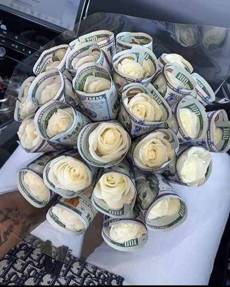 Birthday Goals, 21st Birthday, Money Bouquet, Creative Money Gifts, Money On My Mind, Gifts For Teens, Cute Gifts, Sweet 16, Birthdays