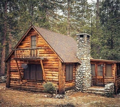 I Would Love To Wake Up Look Out At Nature From The Balcony With A Cup Of Coffee Breath In That Clean Air Small Log Cabin Rustic Cabin Log Cabin Homes