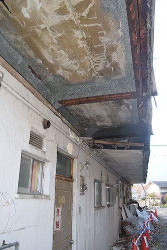 廃墟マンション いつ大惨事起きても 専門家 早急に解体を 社会