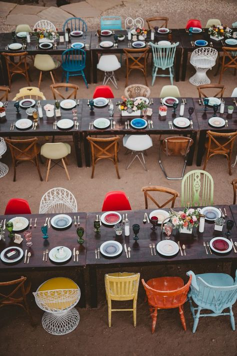 I spy colored goblets and mismatched chairs. A color-funk, retro, Wes Anderson film inspired wedding in the desert. does it get any better than that! Wedding Trends, Wedding Hacks, Wedding Ideas, Wedding Designs, Wedding Venues, The Royal Tenenbaums, Retro Home Decor, Decoration Table, Rustic Wedding