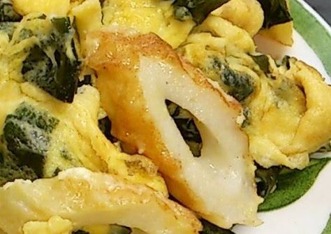 Stir Fried Eggs And Wakame Seaweed With Chikuwa Recipe By Cookpad Japan Recipe Fried Egg Japanese Cooking Cooking