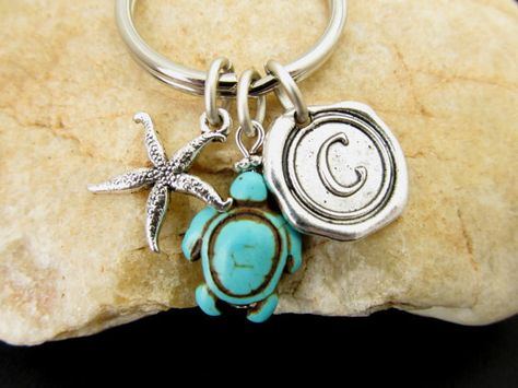 Monogrammed Turtle KeyChain, Personalized Gift. #jewelry #fashion #trendy #keychain #turtle #initials