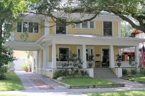 Large porch, porte cochere, room over porte cochere. Love the idea of the living space over the Porte cochere! Porte Cochere, Four Square Homes, Antebellum Homes, Yellow Houses, Craftsman Bungalows, Southern Homes, Historic Homes, Victorian Homes, Victorian Interiors