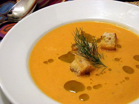 http://food52.com/recipes/1762-roasted-tomato-and-fennel-soup #tobetested #fennel #soup #winterrecipes #dinnerfortwo