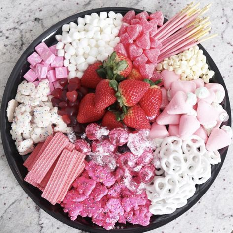 Pink, White, and Red Valentines-Inspired Candy Charcuterie Board - Charcuterie Recipes, Charcuterie And Cheese Board, Charcuterie Platter, Bonbon Halloween, Fete Halloween, Party Food Platters, Party Trays, Valentines Day Food, Holiday Treats