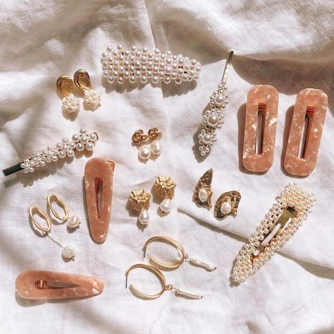 How cute are these hair clips and barrettes? ✨Hair clips are the latest hair trend absolutely rocking social media! Take a look at some beautiful hair accessories and fab ways to wear  it!#hairclips #hairaccessories #hairclipstrend #hairclipsaesthetic #hairclipshairstyles #hairaccessoriesaesthetic#hairclips90s #hairclips90sstyle #hairclips90shairstyle #hairclips90seastheticLess