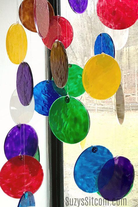 Create a beautiful sun catcher with glass paint