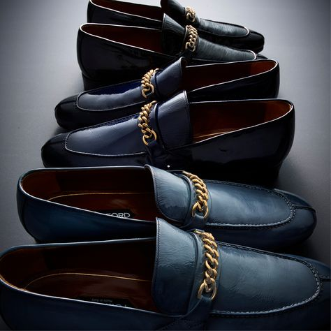 bcdb49c93039 A reinvented style of the classic Chain Loafer featuring the Patent Peer Chain  Loafer.  TOMFORD