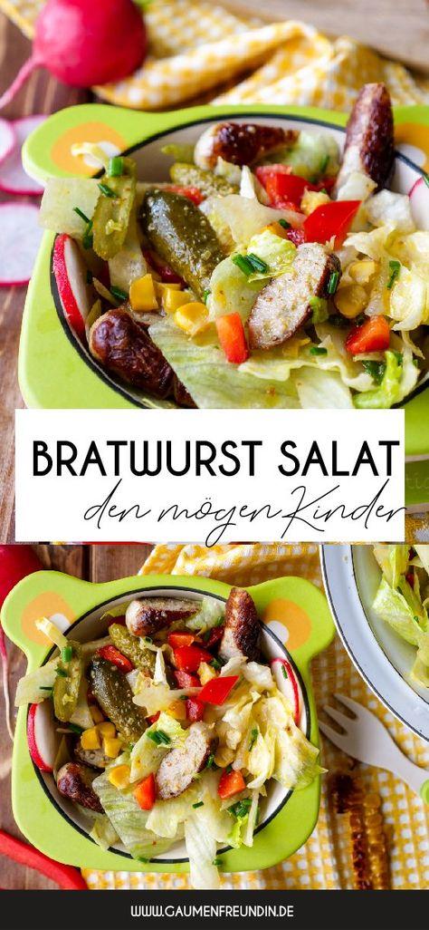 Schneller Bratwurstsalat mit gegrilltem Mais, Gewürzgurken, Paprika und Radieschen - ein knackiger Grillsalat, der auch Kindern schmeckt - Gaumenfreundin Foodblog #salat #grillen #grillsalat #bratwurstsalat #bratwurst #sommerrezepte #sommer