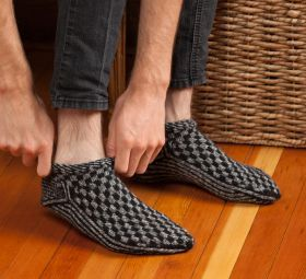 Martingale Knitting Scandinavian Slippers And Socks Ebook Knitted Slippers Pattern Knitted Slippers Slippers Pattern