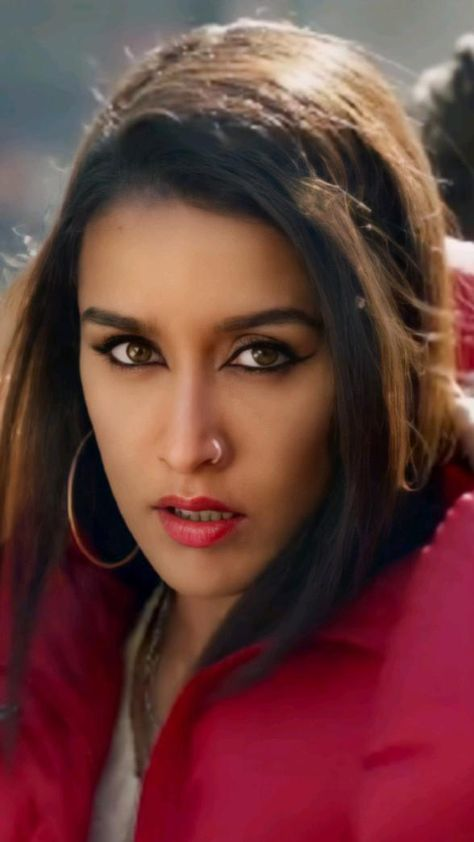 Shraddha Kapoor Illegal Weapon 2.0 Song HD Wallpapers