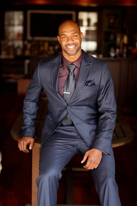 Marcedes Lewis - Nice suit color   All that Manliness   Pinterest ...