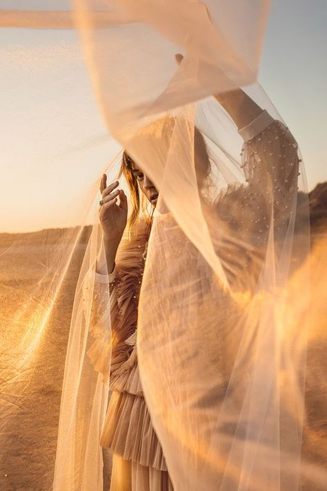 Mira & Thilda - A10 - From natural light shooters to flash users | Profoto (US)