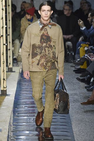 See the complete Antonio Marras Fall 2016 Menswear collection.