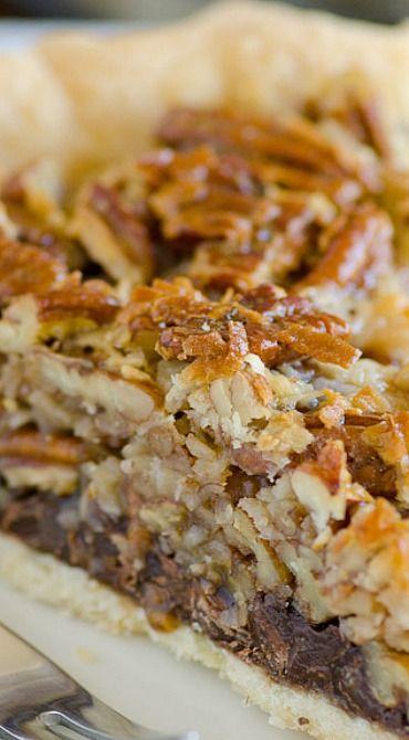 Pie recipes 834362268445444378 - German Chocolate Pecan Pie Source by katie_matie Just Desserts, Delicious Desserts, Yummy Food, Tart Recipes, Sweet Recipes, Pie Dessert, Dessert Recipes, German Chocolate Pies, Chocolate Cake