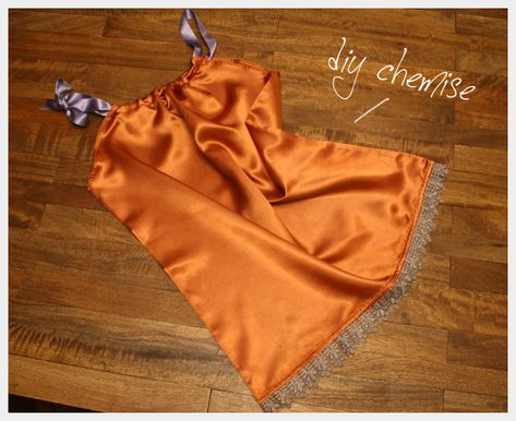 She uses a pillowcase, but I wonder if I could make this with the lining of an old silk dress I have . . .