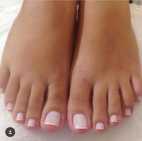 American French Nails Glitter Frenchnailtipideas Toe Nail Color Pretty Toe Nails Toe Nails