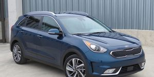 2020 Kia Niro Review Pricing And Specs Kia Car Buying Guide Car Buying