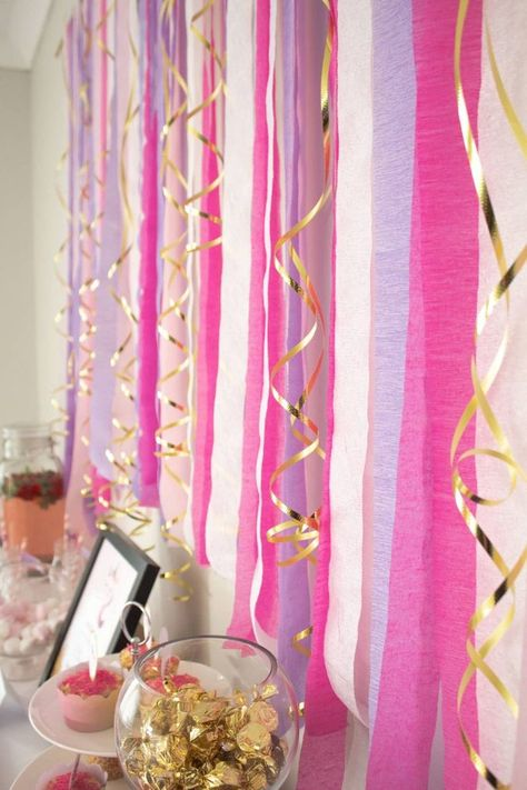 Add an extra layer of fun to your next party buffet with this crepe paper streamer backdrop. Streamer Backdrop, Crepe Paper Streamers, Party Streamers, Birthday Streamers, Birthday Party Decorations Diy, Cheap Party Decorations, Diy Birthday Backdrop, Diy Crafts For Birthday, Diy Streamer Decorations