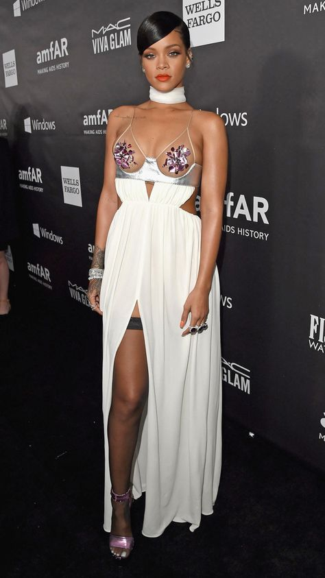 For Rihanna Vma Stands Very Minimal Attire Fashion