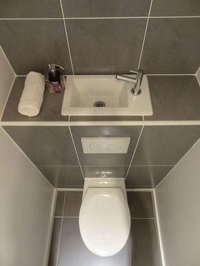 Un Lave Mains Sur La Chasse D Eau Amenagement Toilettes Lave Main Wc Et Idee Deco Toilettes