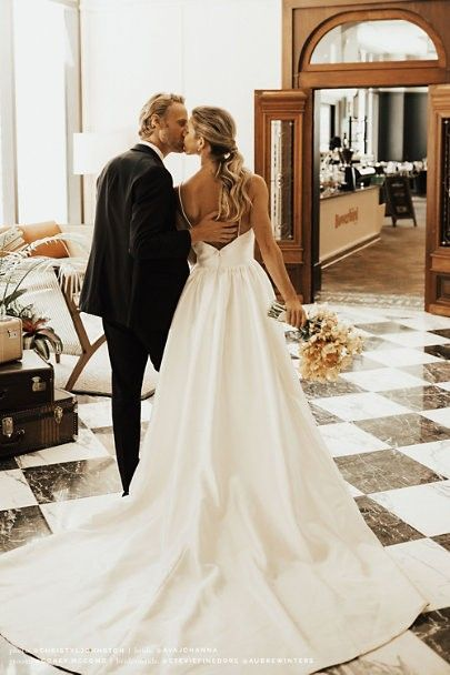15 Utterly Chic Sophisticated Wedding Dresses For The Refined Romantic Beach Wedding Dresses Backless Wedding Dresses Beach Wedding Dress