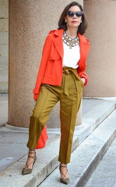 Color Block Your Outfit - Chic Ways To Wear Blazers for Women Over 50 - Photos