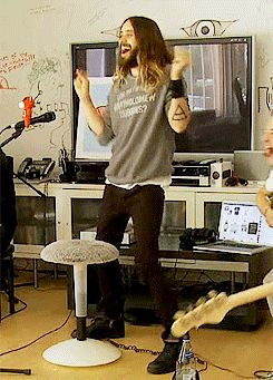 So funny moment. LOL. :-) Jared Leto at VyRT #MARSSummerSessions.- 11-06-2014 (gif via http://novafrommars.tumblr.com/post/88512846635