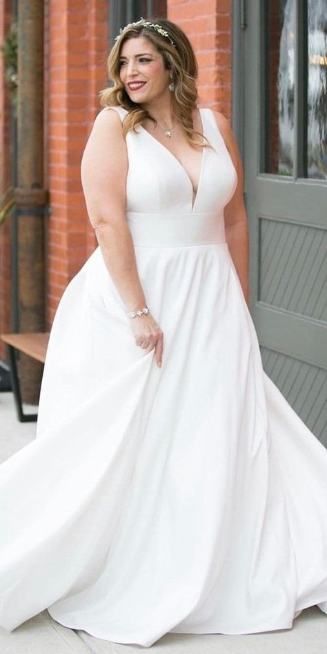 36 Plus-Size Wedding Dresses: A Wow Guide | Wedding Forward -  33 Plus-Size Wedd... -  36 Plus-Size Wedding Dresses: A Wow Guide | Wedding Forward –  33 Plus-Size Wedding Dresses: A Ja - #dresses #Guide #PlusSize #VestidosdeNoviahalter #VestidosdeNoviaimperio #VestidosdeNoviaplussize #VestidosdeNoviapronovias #wedd #wedding #wow