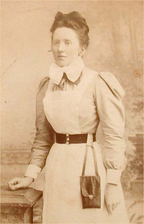 Carte De Visite Of A Victorian Housekeeper Or Maid Wearing Chatelaine Purse